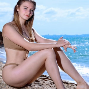 Dakota Pink metart sparkle on the beach preview