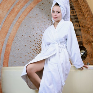Dakota Pink metart towel off preview