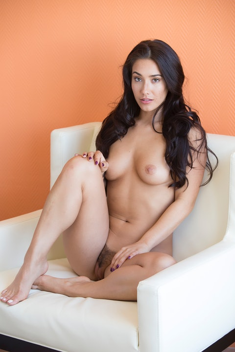 Eva Lovia  122
