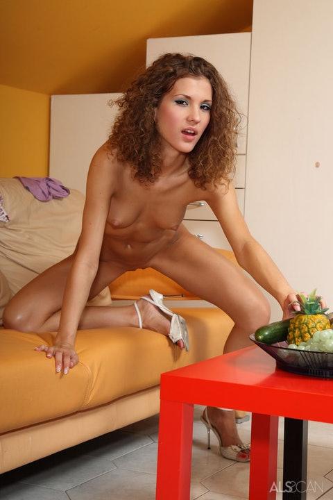 Juliette Shyn  012