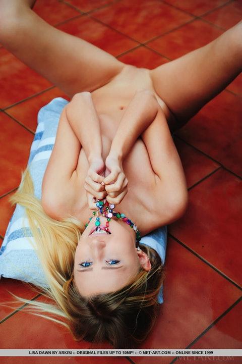 Lisa Dawn 079